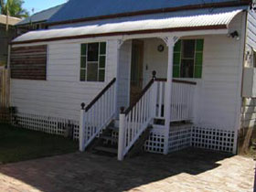 A Pine Cottage - New South Wales Tourism