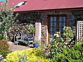 Evandale Stables Accommodation - New South Wales Tourism