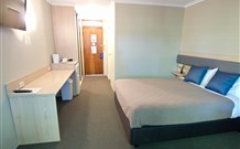 Lakeview Hotel Motel - Oak Flats - New South Wales Tourism