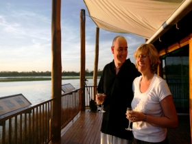 Jabiru Safari Lodge at Mareeba Wetlands - New South Wales Tourism