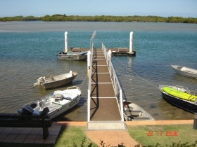 On The River Holiday Apartments - New South Wales Tourism