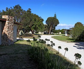 Flinders Island Cabin Park - New South Wales Tourism