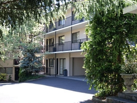 Grosvenor Court Apartments - New South Wales Tourism