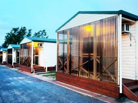 Discovery Holiday Parks  Hadspen Cosy Cabins - New South Wales Tourism