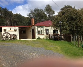 Glenbrook House and Cottage - New South Wales Tourism