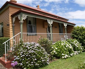 Kenya Cottage - New South Wales Tourism