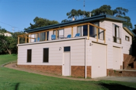 Three Peaks Holiday Rentals - New South Wales Tourism