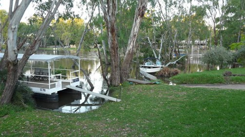 Riverside Waterfront Motel Wahgunyah - New South Wales Tourism
