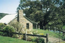 Adelaide Hills Country Cottages - Gum Tree Cottage - New South Wales Tourism