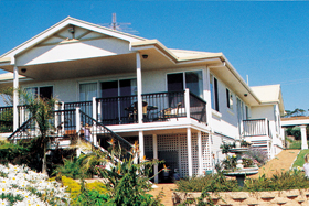 Loverings White House - Emu Bay - New South Wales Tourism