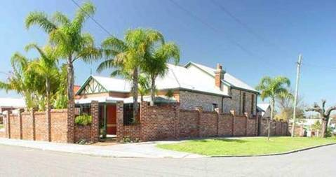 Above Bored Bed and Breakfast - New South Wales Tourism