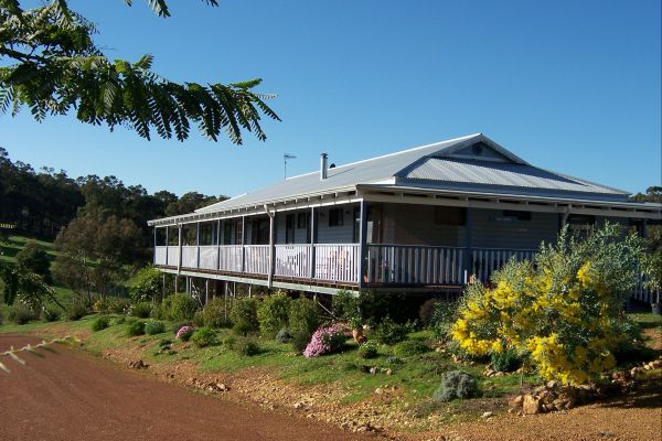 Blue House Bed and Breakfast - New South Wales Tourism