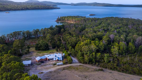 Bruny Island Lodge - New South Wales Tourism