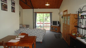The Old Oak Bed and Breakfast - The Shearing Shed - New South Wales Tourism