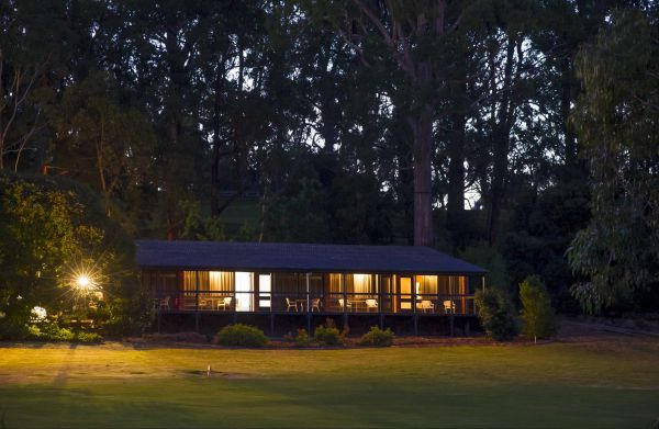 The Stirling Golf Club Motels - New South Wales Tourism