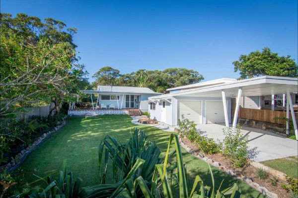 Back Beach Bungalow - New South Wales Tourism