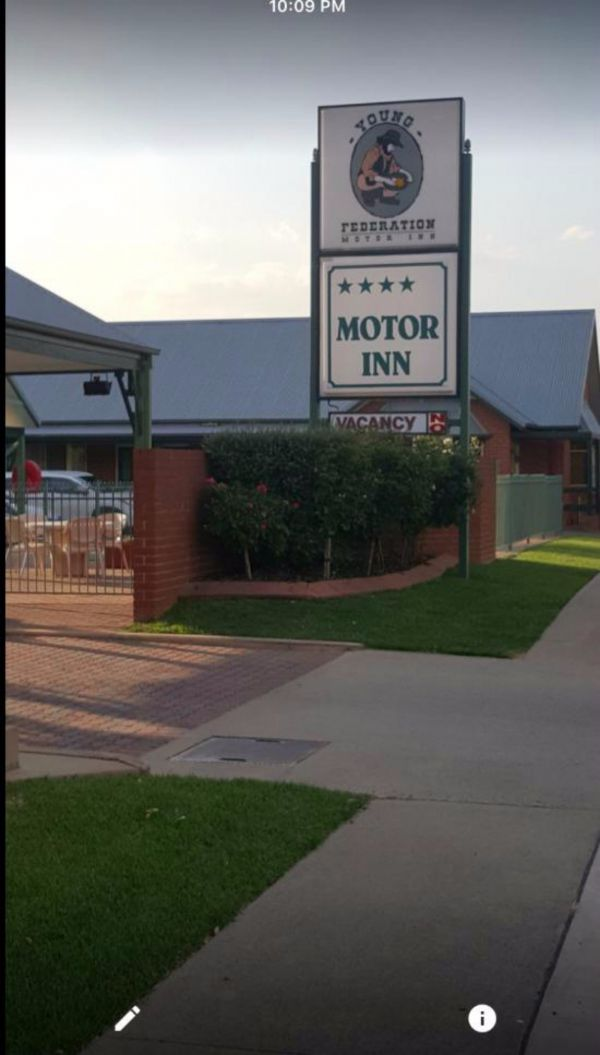Federation Motor Inn Young - New South Wales Tourism