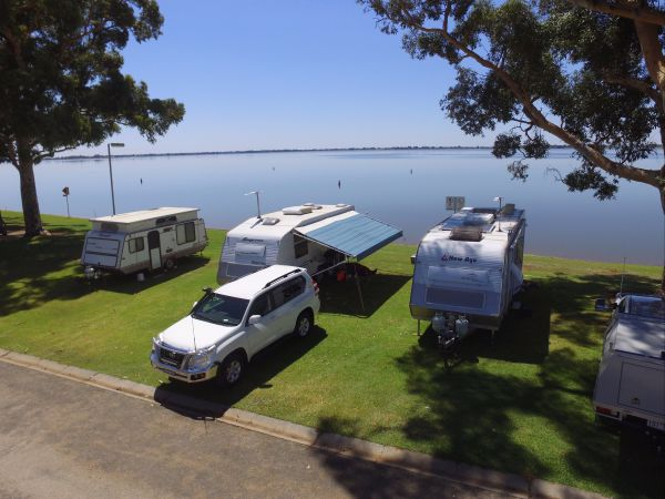 Lake Boga Caravan Park - New South Wales Tourism