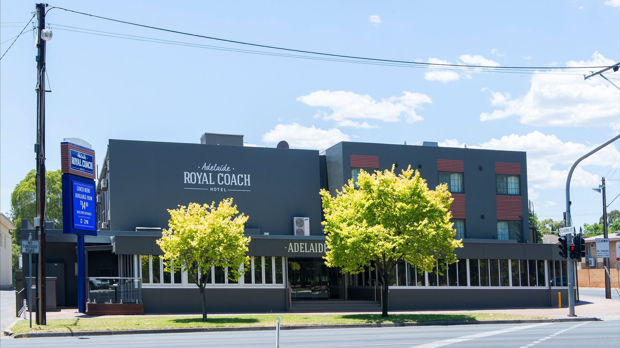 Adelaide Royal Coach - New South Wales Tourism