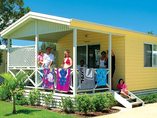 Beachfront Holiday Resort - New South Wales Tourism