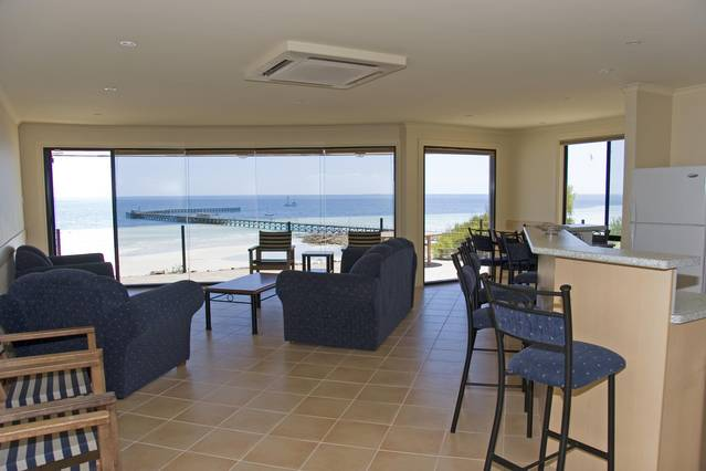 Cliff House Beachfront Villas - New South Wales Tourism
