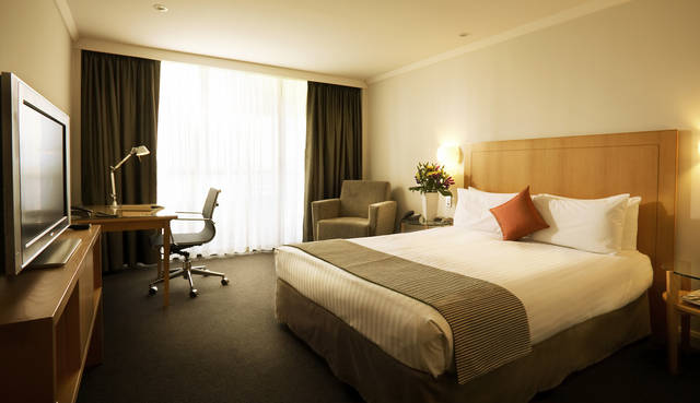 Crowne Plaza Perth - New South Wales Tourism