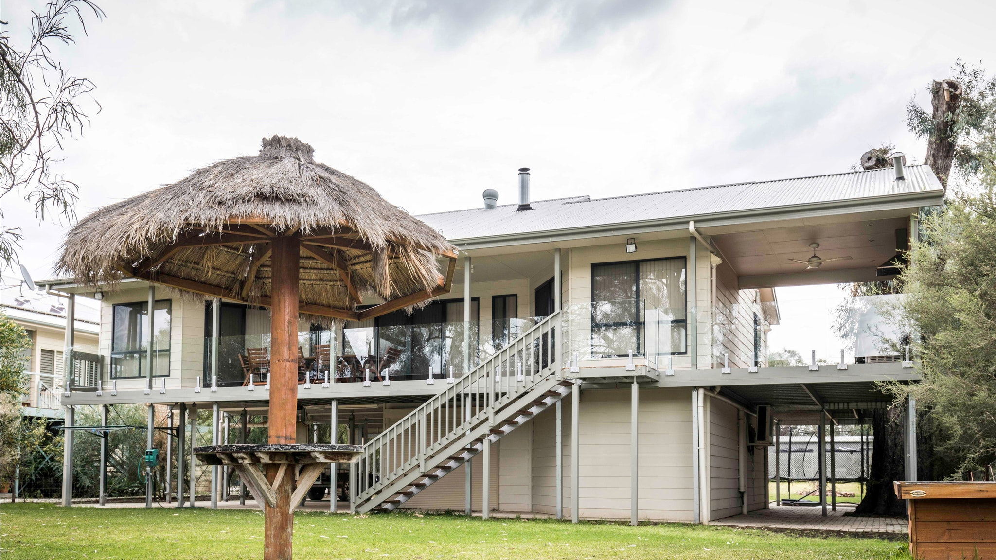 River Shack Rentals - Morgan  pelican pde - New South Wales Tourism