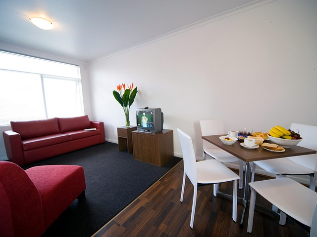 Easystay One Bedroom Apartment - Raglan Street - New South Wales Tourism