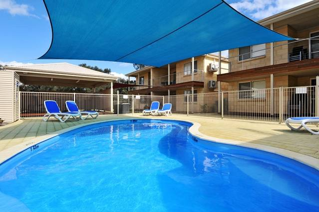Lakeside Holiday Apartments - New South Wales Tourism