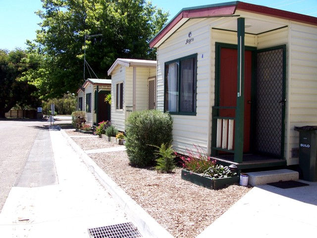 Leongatha Apex Caravan Park - New South Wales Tourism