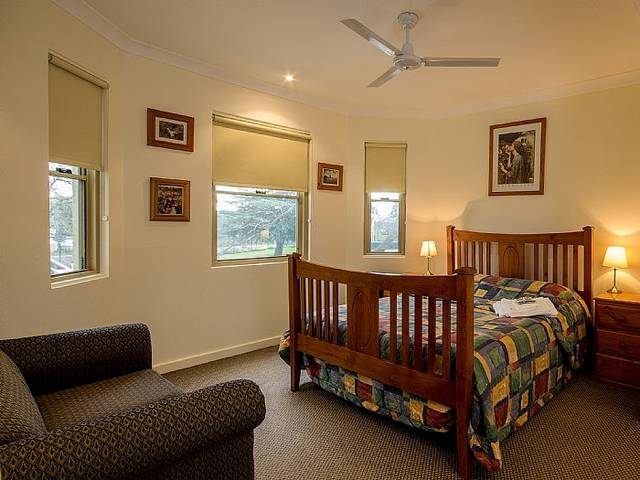 Royal Hotel Springwood - New South Wales Tourism