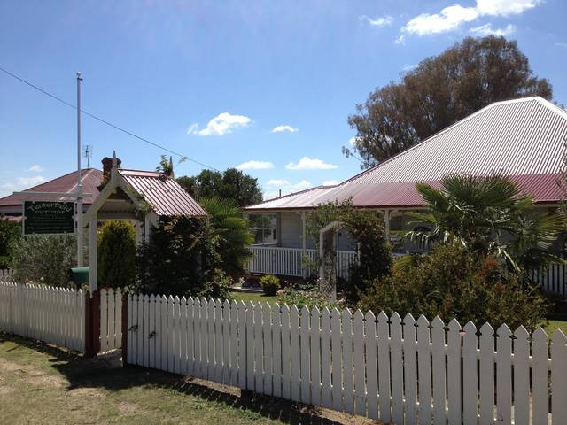 Tenterfield Luxury Historic c1895 Cottage - New South Wales Tourism