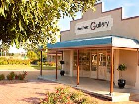 Peter Franz Fine Art Gallery - New South Wales Tourism