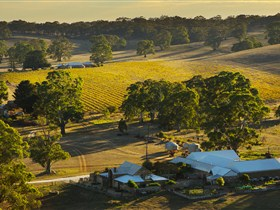 Hutton Vale and Farm Follies - New South Wales Tourism