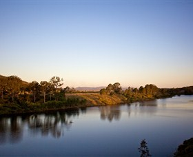 Lake Wivenhoe - New South Wales Tourism