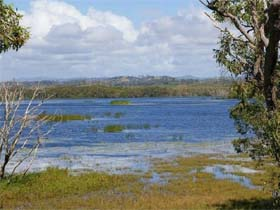 Lake Barfield - New South Wales Tourism
