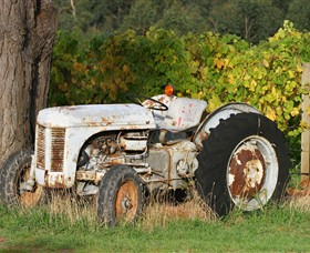 Ten Minutes By Tractor - New South Wales Tourism