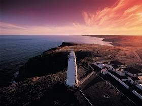 Cape Willoughby Lightstation - Cape Willoughby Conservation Park - New South Wales Tourism