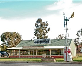 Headlie Taylor Header and Blacksmiths Shop - New South Wales Tourism