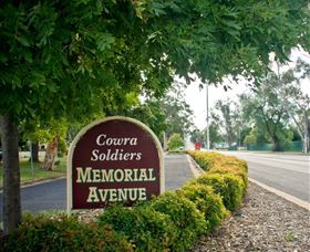 Memorial Avenue in Cowra - New South Wales Tourism