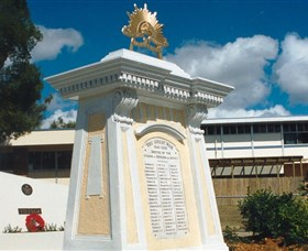 Beenleigh War Memorial - New South Wales Tourism