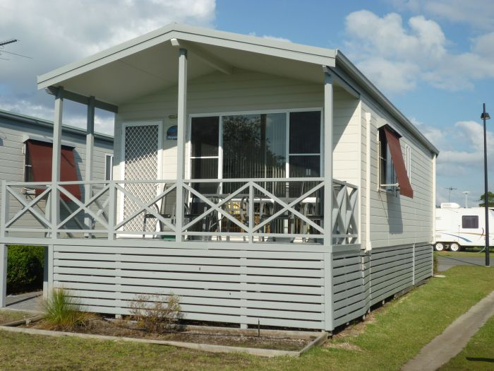 Belmont Pines Lakeside Holiday Park - New South Wales Tourism