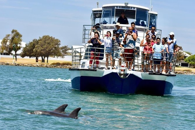 Mandurah Dolphin and Scenic Canal Cruise - New South Wales Tourism