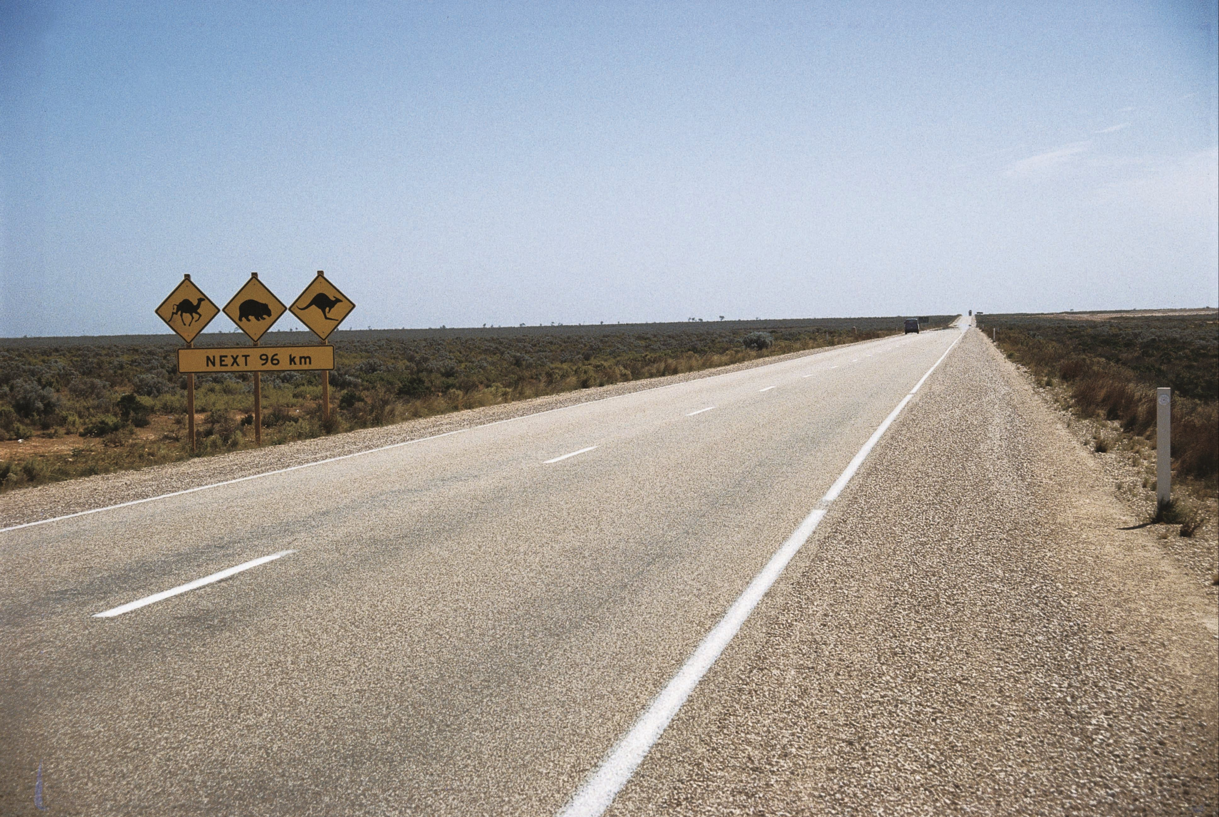 Eyre Highway - New South Wales Tourism