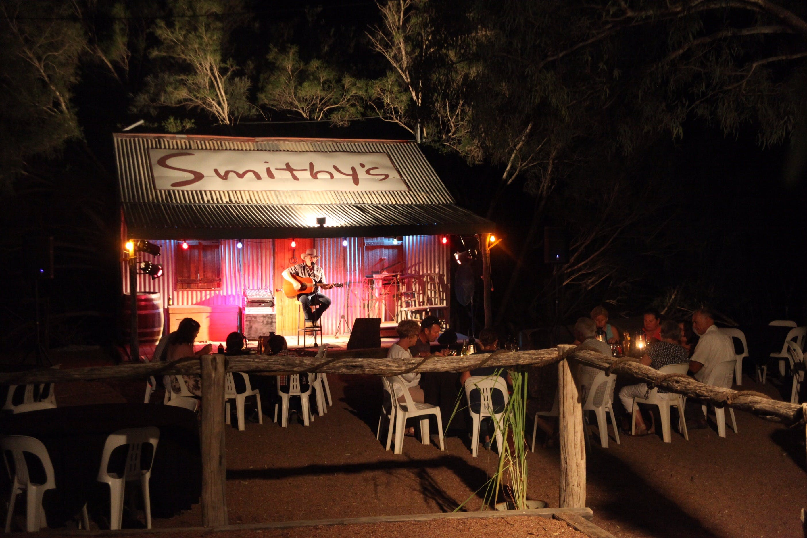 Smithy's Outback Dinner and Show - New South Wales Tourism