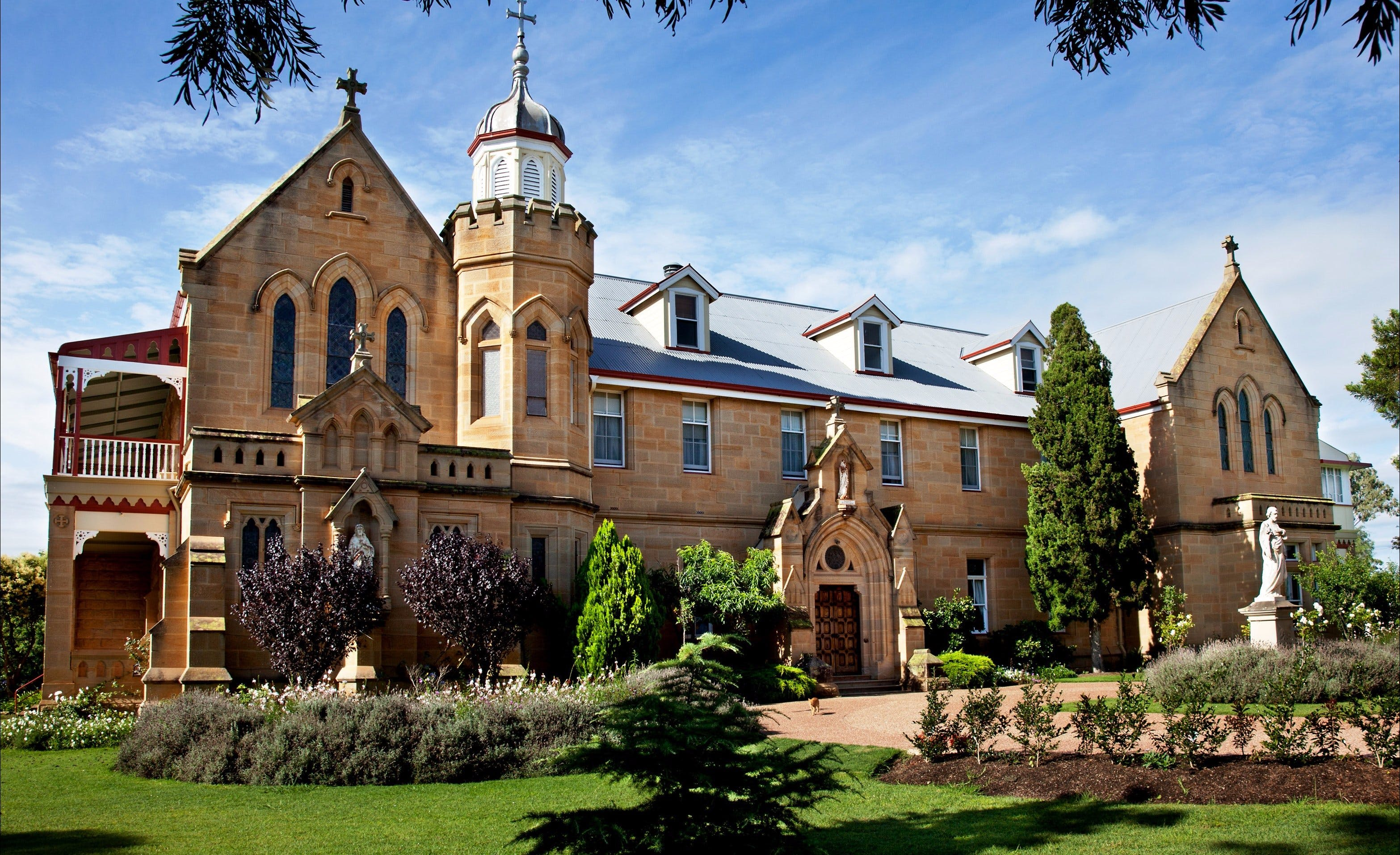 Abbey of the Roses - New South Wales Tourism