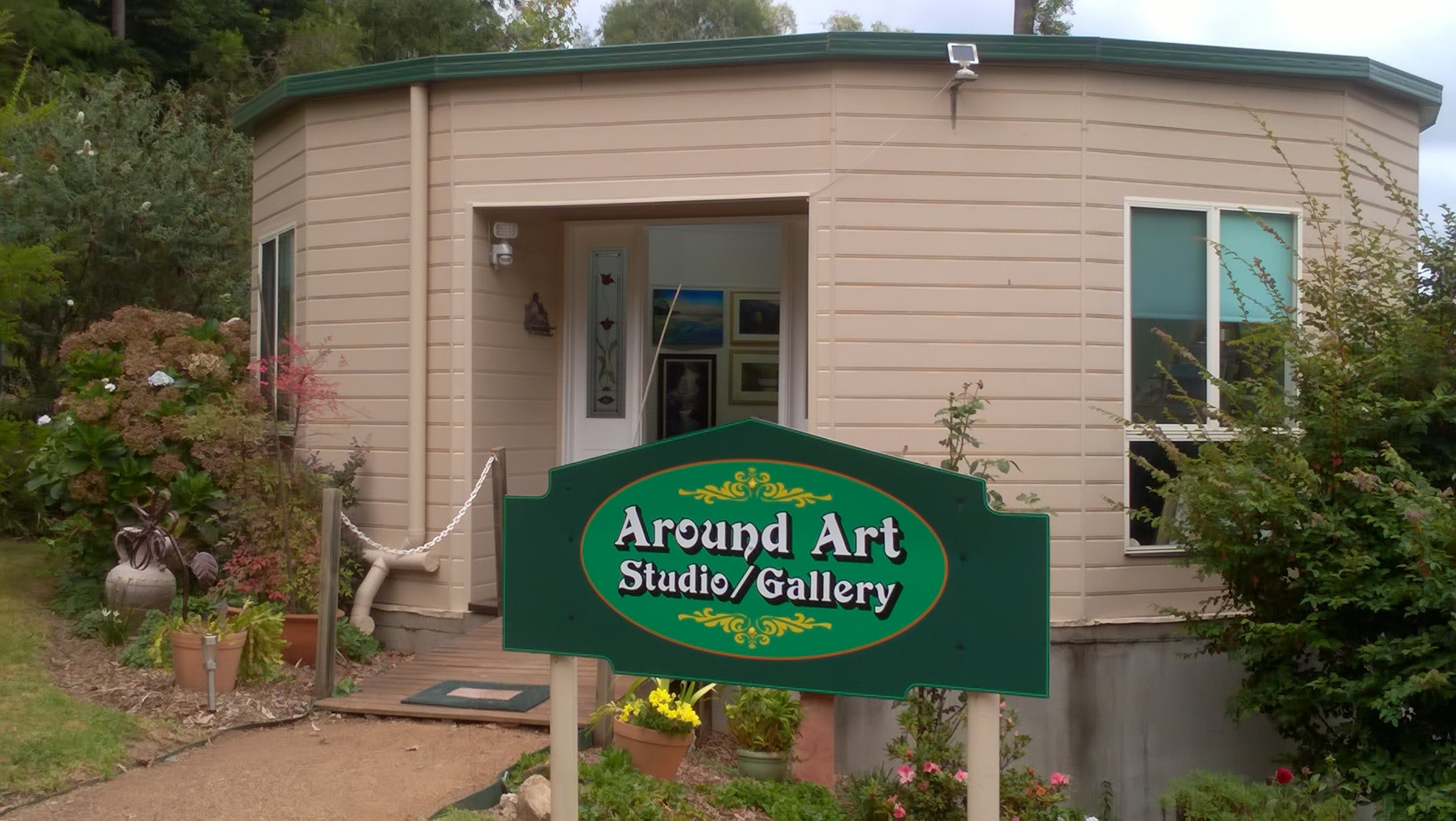 Around Art Studio/Gallery - New South Wales Tourism