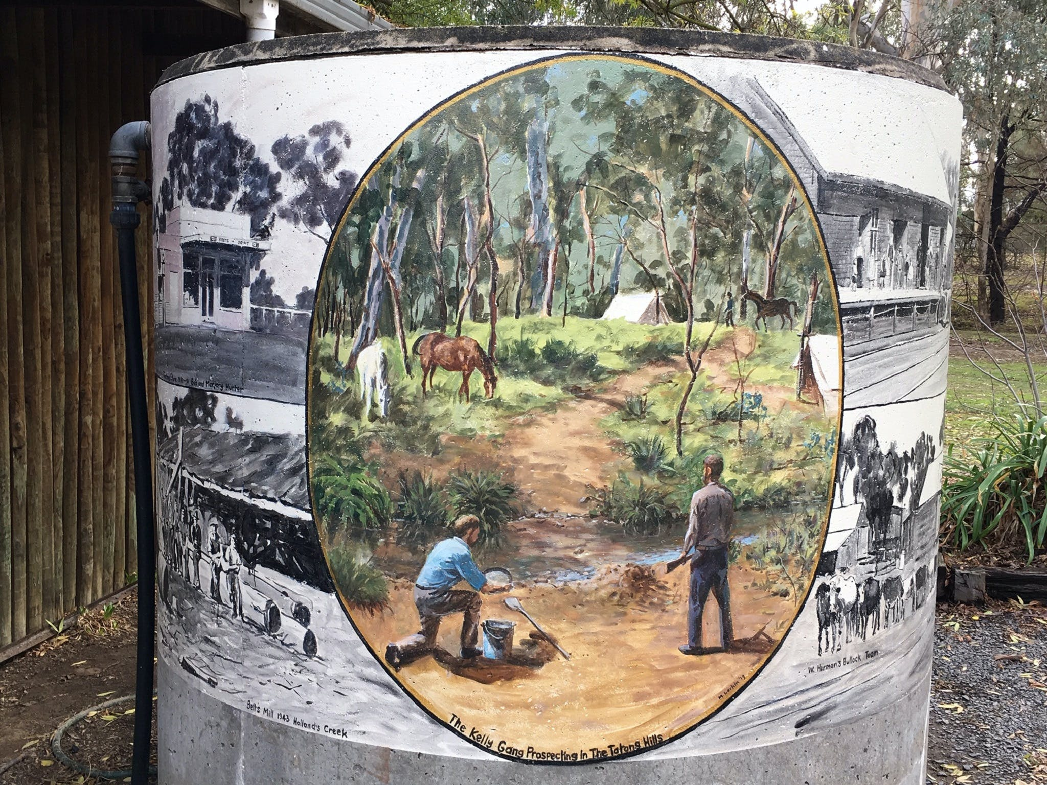 Tatong Tavern Water Tank - New South Wales Tourism