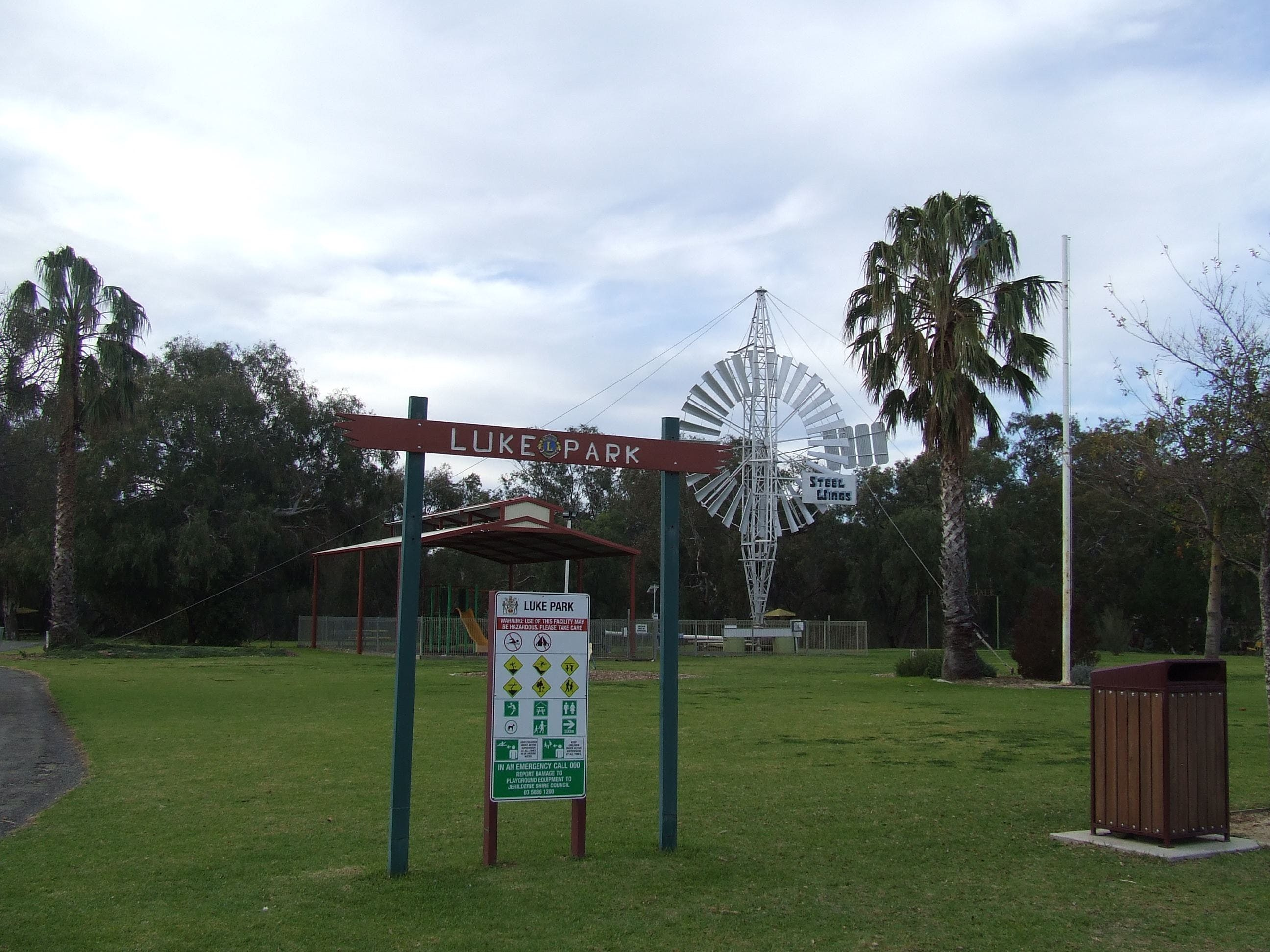 Luke Park and Jerilderie Lake - New South Wales Tourism