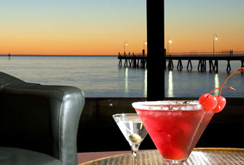 Horizons Cocktail Lounge - New South Wales Tourism